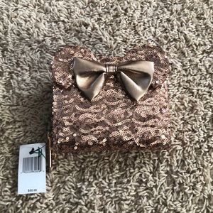 Disney's Exclusive Minnie Rose gold wallet